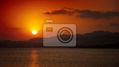 Sonnenuntergang über den Bergen in der Provinz Murcia, Spanien