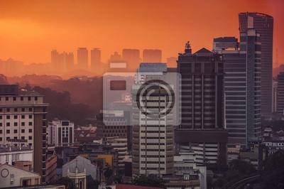Sonnenuntergang über Kuala Lumpur Wolkenkratzer, Malaysia