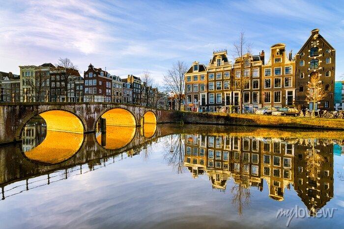 Poster Sonnigen Morgen in Amsterdam, Niederlande