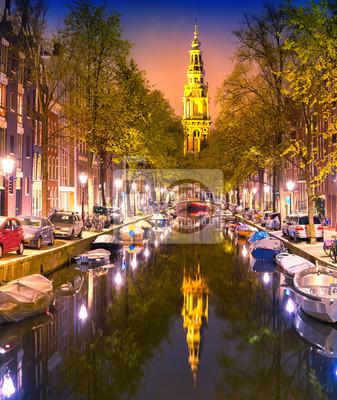 South Church Zuiderkerk und Amsterdam Canals in der Abenddämmerung