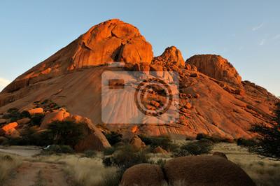 Spitzkoppe in Namibia bei Sonnenuntergang