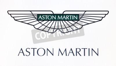 Poster St. Petersburg, Russland-10. Februar 2015: Aston Martin-Logo auf dem Bildschirm. Ist eine berühmte Marke in der Welt.