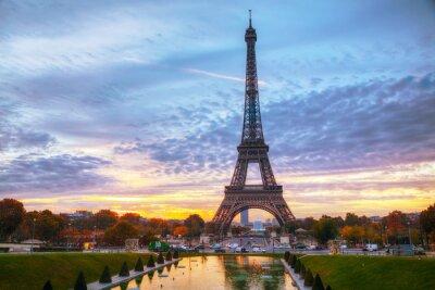 Stadtbild mit dem Eiffelturm in Paris, Frankreich