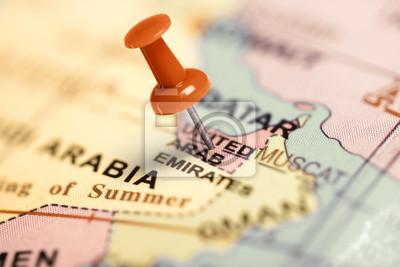 Standort Vereinigte Arabische Emirate. Auf der Karte Red Pin.