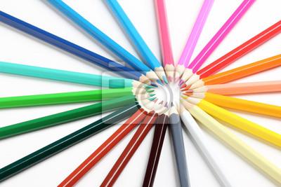 Strahlen der farbigen Bleistifte