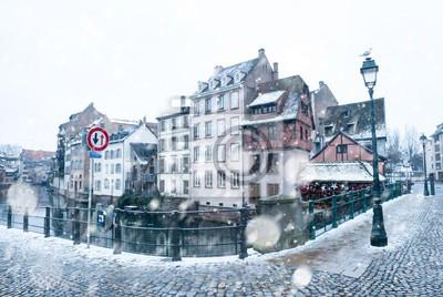Straßburg en hiver sous la neige en Alsace, Frankreich