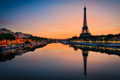 Poster Sunrise at the Eiffel tower, Paris