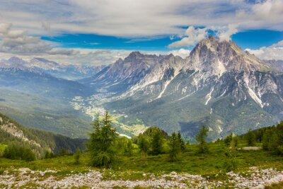 Tal in den Dolomiten, Alpen, Italien