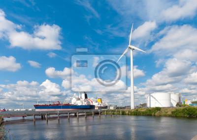 Tanker in Amsterdam Hafen