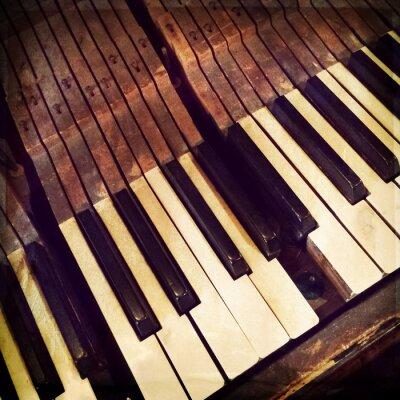 Poster Tasten eines gebrochen antikes Klavier