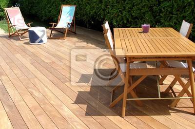 Terrasse en bois exotique et salon de jardin wandposter • poster ...