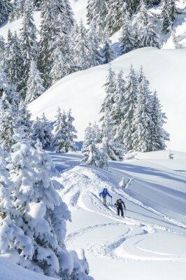 Poster Tourengeher im verschneiten Tirol