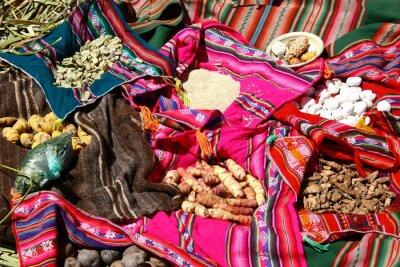 Poster Traditionelles Essen auf den Uros Inseln - Titicacasee, Peru