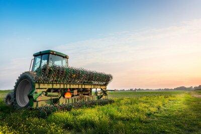Poster Traktor auf einem Feld auf einem ländlichen Maryland Farm