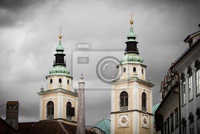 Twin Türme von Dom Ljubljana, Slowenien.