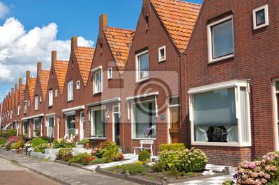 Typische holländische Einfamilienhäuser. Moderne Architektur in Niederlande