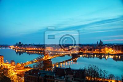 Überblick über Budapest bei Sonnenuntergang