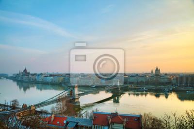 Überblick über Budapest mit dem Parlamentsgebäude