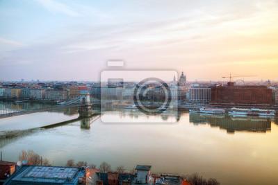 Überblick über Budapest mit der Basilika St. Stephan