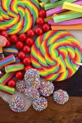 Poster Verschiedene Süßigkeiten mit braunen Papiertüte.