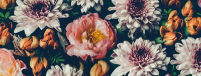 Poster Vintage bouquet of beautiful flowers on black. Floral background. Baroque old fashiones style. Natural pattern wallpaper or greeting card