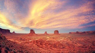 Poster Vintage getönten Monument Valley nach Sonnenuntergang, USA