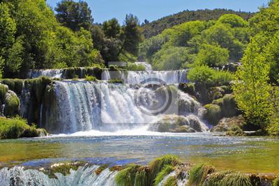 Wasserfall KRKA in Kroatien - Natur Reisen Hintergrund