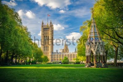 Poster Westminster Abbey angesehen von den Victoria-Turmgärten, London, Großbritannien