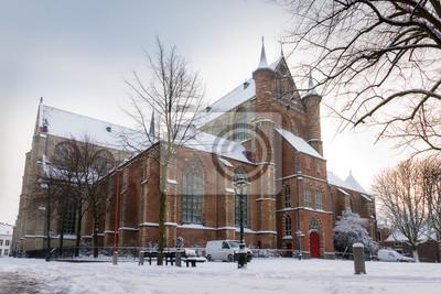Winter-Stadtbild Panorama der Pieterskerk Kirche (1121) in Leiden, Niederlande