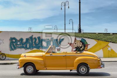 Yellow Taxi in Havanna, Kuba