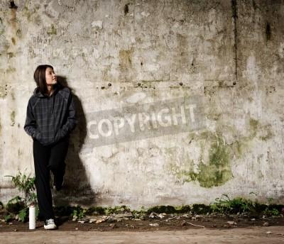 Poster Youth Planung einer Graffiti Wandgemälde auf einem freien, leeren Wand