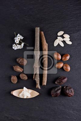 Zusammensetzung von Sheabutter und Nüssen, Argan-Früchten und Samen