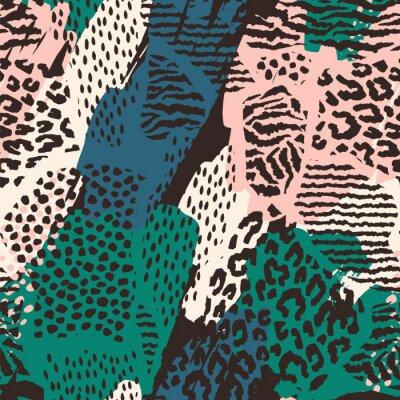 Sticker Abstraktes nahtloses Muster mit Tierdruck.