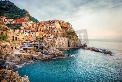 Sticker Ansicht von Manarola. Manarola ist eine kleine Stadt in der Provinz La Spezia, Ligurien in Norditalien.