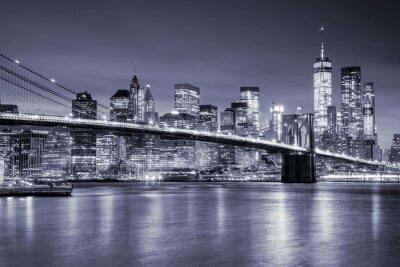 Sticker Ansicht von Manhattan und Brooklin Brücke bei Nacht, New York City