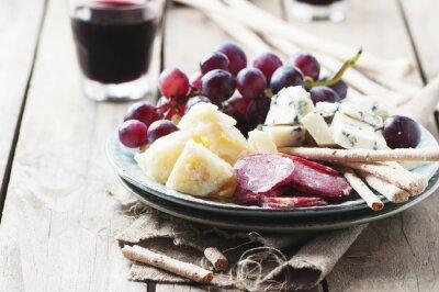 Sticker Antipasto mit Käse, Wurst und Trauben