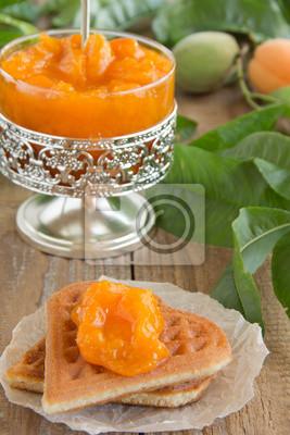 Aprikosenmarmelade.