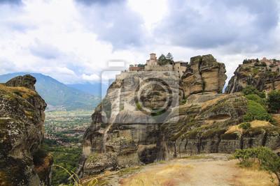 Berg Athos in Griechenland, mit hohen Felsen und Wälder
