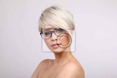 Mit damen kurze brille haare Frauen Mit
