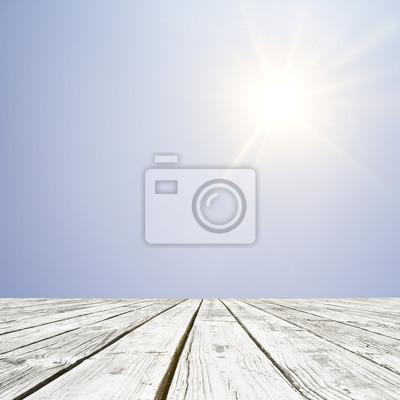 Boden und schöne strahlende Sonne