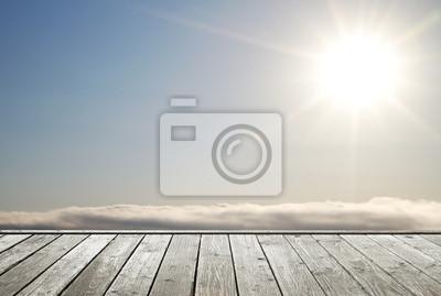 Boden und strahlende Sonne