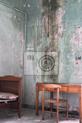 Camera da letto abbandonata urbex kloster san bernardino notebook ...