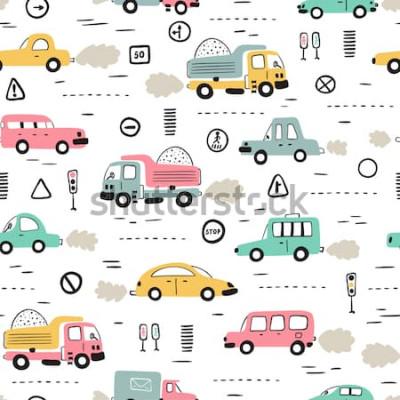 Sticker Cartoon Transport Hintergrund für Kinder. Vector nahtloses Muster mit Gekritzel Toy Cars und Verkehrsschildern