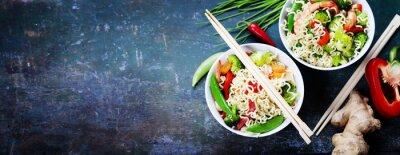 Sticker Chinesische Nudeln mit Gemüse und Garnelen