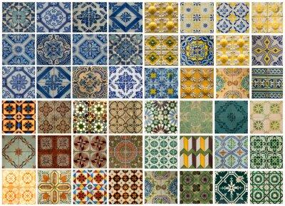 Sticker Collage aus verschiedenen farbigen Muster Fliesen in Portugal