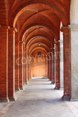 Sticker Colonnade in einer romanischen Stil Kreuzgang