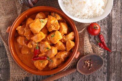 Sticker Curry-Huhn mit Sauce und Reis