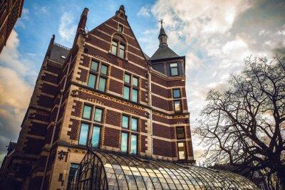 Sticker Das Rijksmuseum ist ein niederländisches Nationalmuseum für Kunst und Geschichte in Amsterdam. Das Museum befindet sich am Museumsplatz im Bezirk Amsterdam Süd, in der Nähe des Van Gogh Museums.