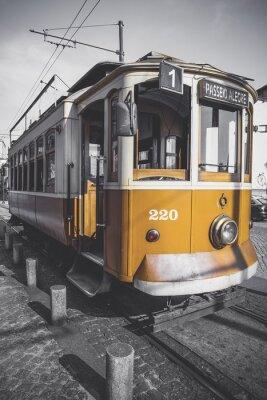 Sticker Desaturated Bild der Porto-Trolley mit Ausnahme seiner besonderen gelben.