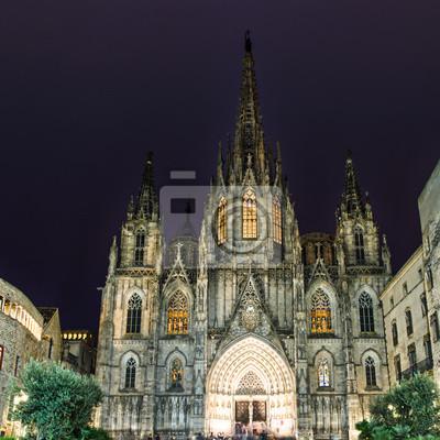Die gotische Kathedrale von Barcelona in der Nacht, Spanien